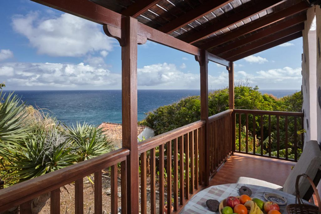 Cottage on La Gomera: balcony with phantastic sea view