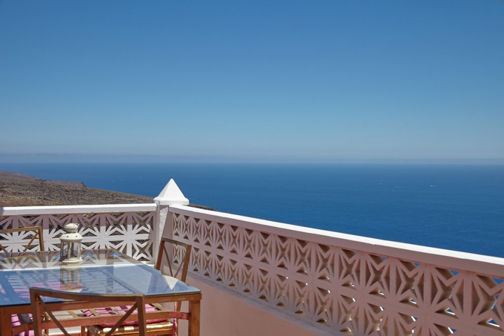 sunny holiday home with balcony with sea view (La Dama, La Gomera)